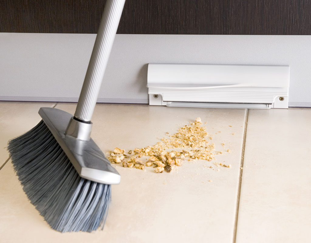 Vacuum Kick Plate