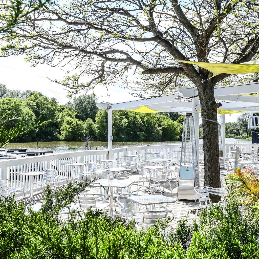The DECK Bar and Grill - Bowmanville Marina